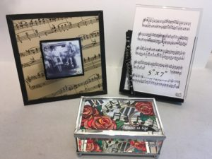 Beautiful Musical Picture Frames for the music lover in your life!