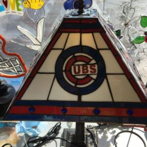 chicago-cubs-stained-glass-lamp