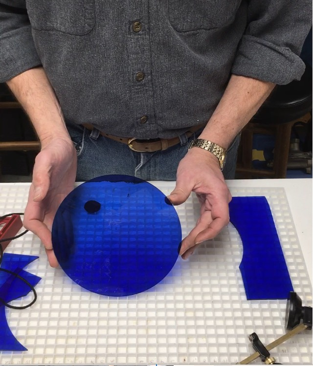 How to easily cut a circle in glass